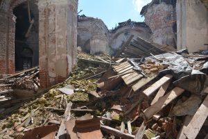Воскресенский храм после обрушения купола в сентябре 2013 года.  Фото с сайта luhovici-hram.ru.